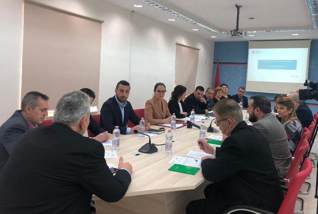 Delina Ibrahimaj  marrëveshje me tatimet e Maqedonis