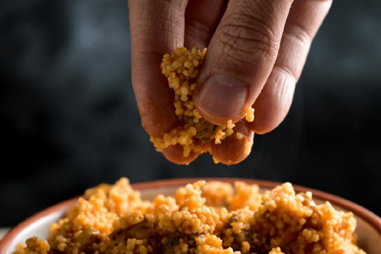 Tradita e të ngrënit me duar   Çfarë fshihet pas saj